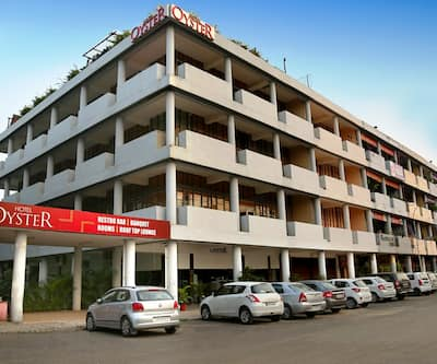 Hotel Oyster - City Centre Sector 17,Chandigarh