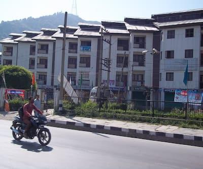 Hotel Pride Continental,Srinagar