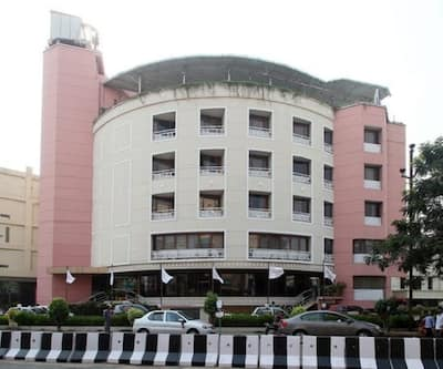 Daspalla Executive Court,Visakhapatnam