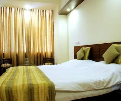 Merriment hotel@noida,Noida