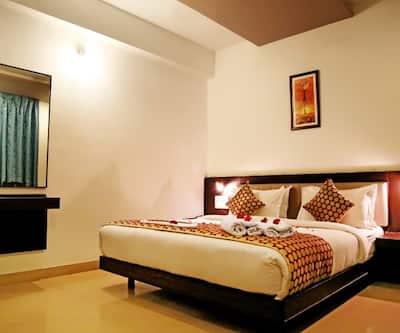 Narayans Leela Inn, Gulab Bagh Road,