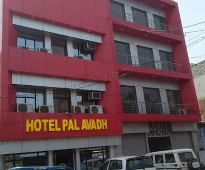 Hotel Pal Avadh,Lucknow