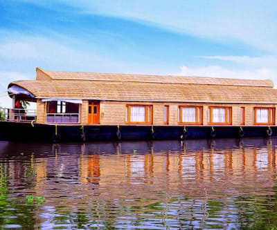 Cathey Pacific Cruise,Alleppey