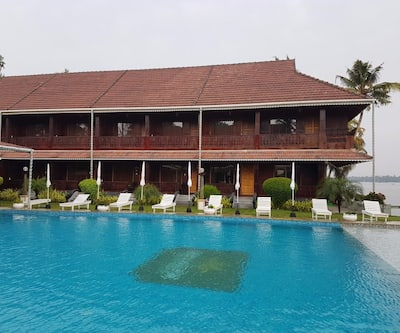 Sea Lagoon Health Resort,Cochin