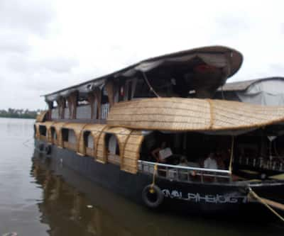 Lake Wonder Cruise -Deluxe,Alleppey