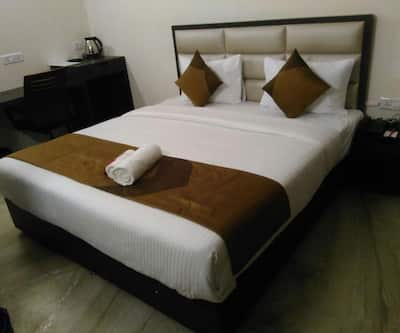 Cosy Tree Guest House Sec 62,Noida