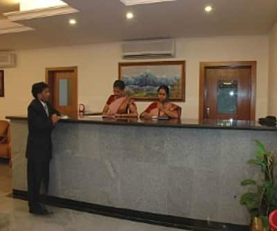 Hotel Red Mount International,Bangalore