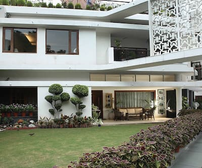 Ahuja Residency Golf Links,New Delhi