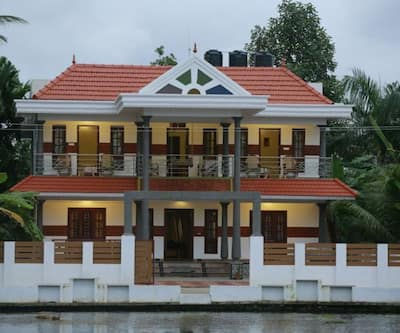 Meenakshi Lake Side Homestay,Kumarakom