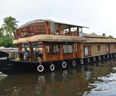 Meenakshi Houseboat,Kumarakom