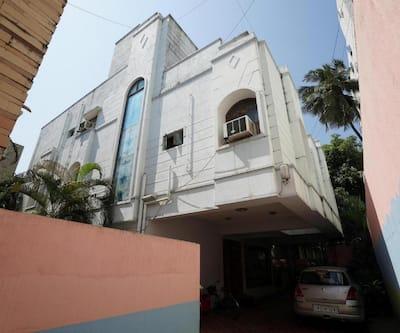 Lloyds Guest House - Krishna Street, T Nagar,Chennai