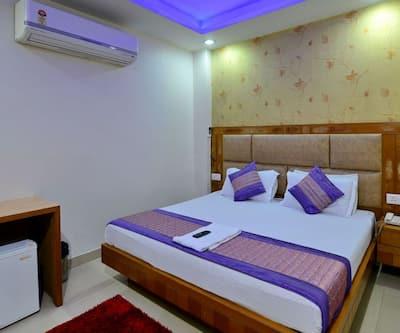 Madhav Stay,Noida