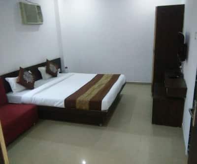 Hotel Shipra Dham,Ujjain