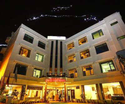 Hotel Shree Hari Niwas, Jammu Road,