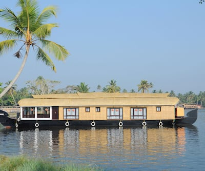 Cosy Houseboats, Finishing point,