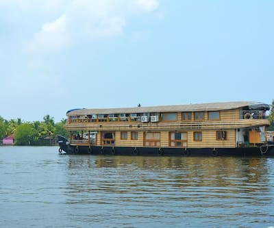 Palace On Waves,Alleppey