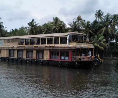 Smart Cruises,Alleppey