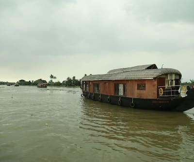 MALAYALAM houseboat,Alleppey