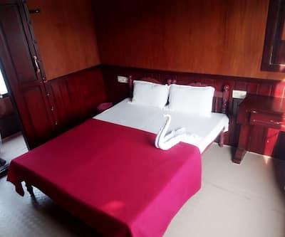 ssaffron house boat,Alleppey