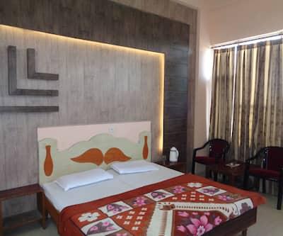Hotel Ishan, Near Katra Bus Stand,