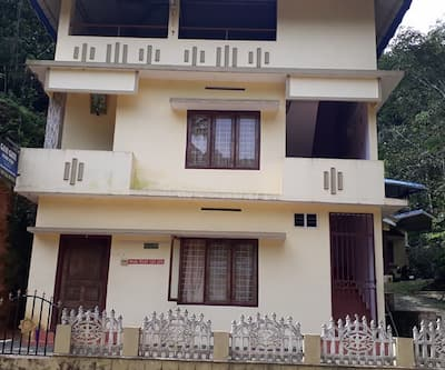 Nisha Homestay By Travel Inn,Thekkady