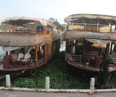 River Queen Luxury two Bedroom Houseboat,Alleppey