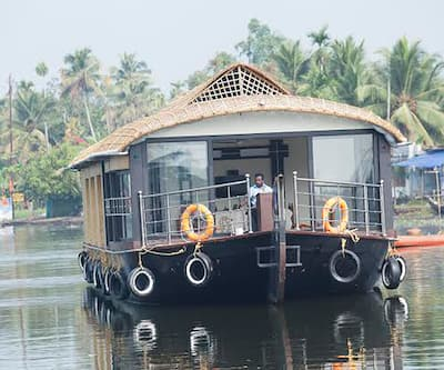 River Queen Luxury Three Bed Houseboat,Alleppey