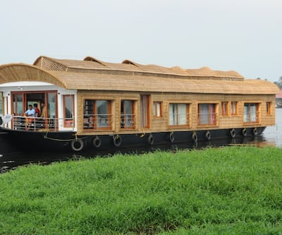 River Queen bowl houseboat,Alleppey