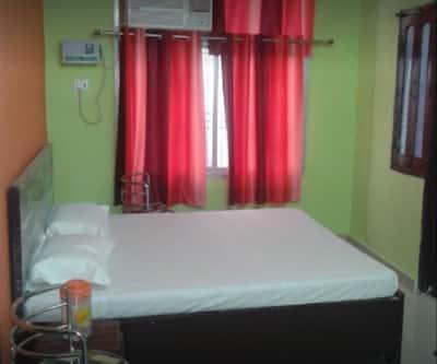 RLJ Guest House,Varanasi