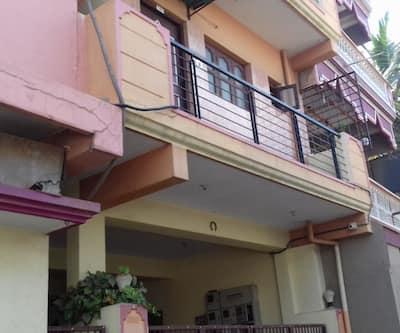 Lakshimish Guest House,Bangalore