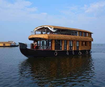Ostrich three bed house boat,Alleppey