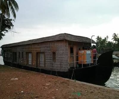 Bay pride house boat one bed,Alleppey
