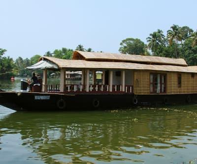 Nandanam house boat,Alleppey