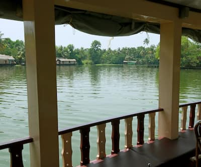 Mind Cruiser Houseboats,Alleppey
