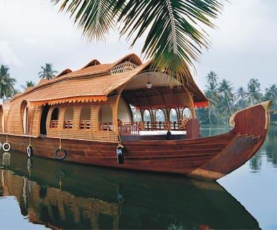 AyurCounty Deluxe Houseboat,Alleppey