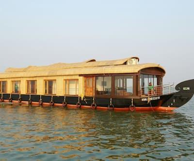 AyurCounty Premium Houseboat,Alleppey