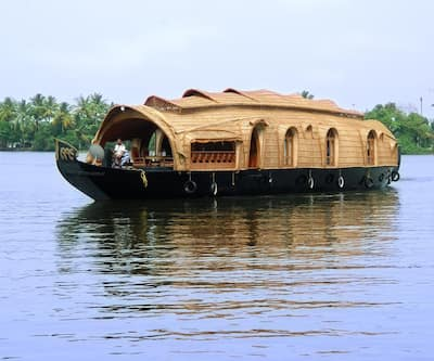 Dona Luxury Houseboats,Alleppey
