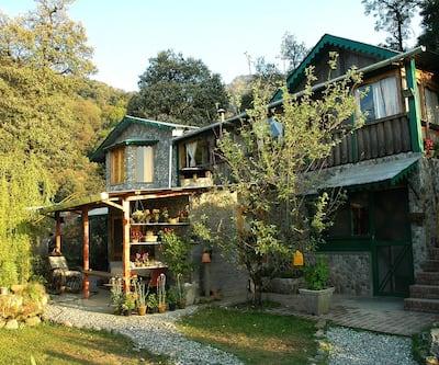 Mountain Quail Lodge,Nainital