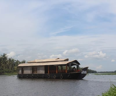Kerala Houseboat Retreat,Alleppey