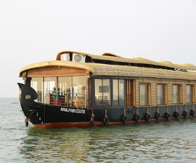 Kiliroor Three Bedroom Houseboat,Alleppey