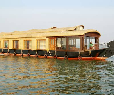 Kiliroor Two Bedroom Houseboat,Alleppey