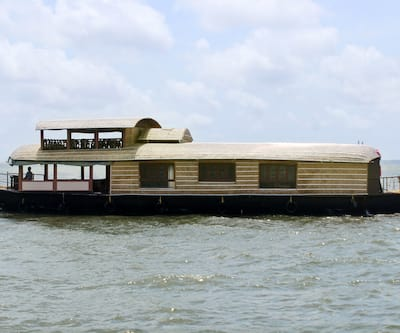 The Grand Honeymoon Cruise,Alleppey