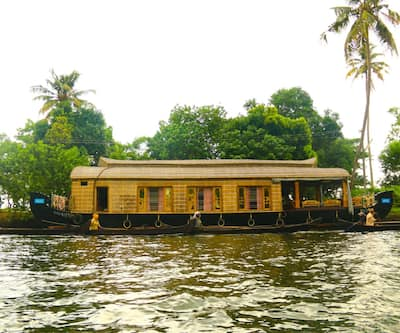 Tharangini Houseboats,Alleppey