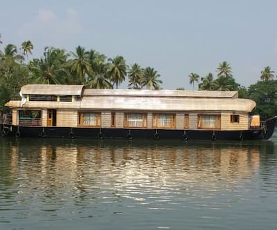 Vinayaka Houseboat,Alleppey