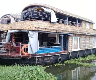 Mahadev Houseboat,Alleppey