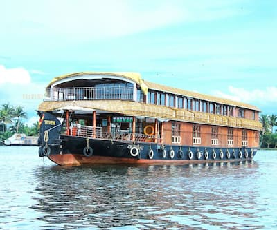Triveni Houseboat,Alleppey