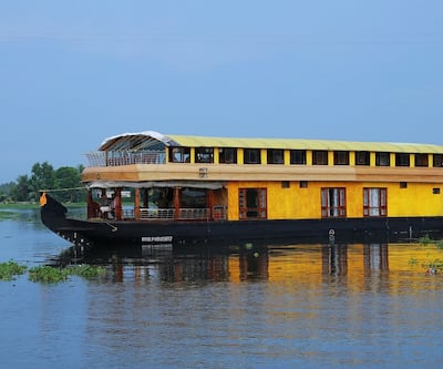 Rosy Premium Houseboats,Alleppey