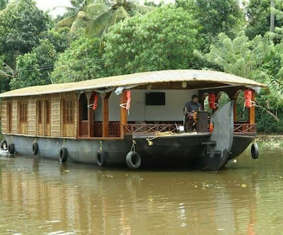 Royal Palace Deluxe Houseboat,Alleppey