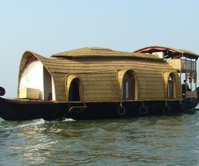 Royal Palace Luxury Houseboat,Alleppey