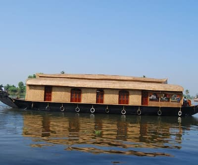 Tipster Honeymoon Houseboat,Alleppey